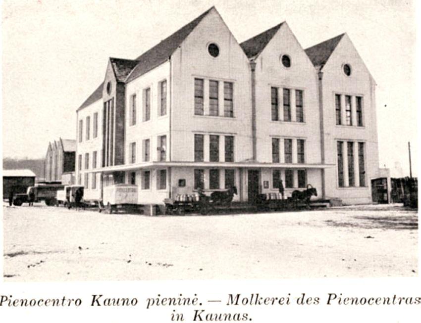 Pienocentro Kauno pieninė. XX a. 4 deš. [Kaunas. – Praha, 1938. – P. [50–52.]